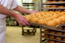 Frete mais caro e dólar oscilante faz preço do pão francês aumentar 10% em MS