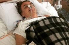 Após cirurgia de emergência, Bolsonaro volta à UTI
