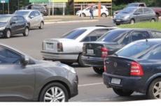 Donos de veículos com final 6 têm até o dia 31 para pagar licenciamento