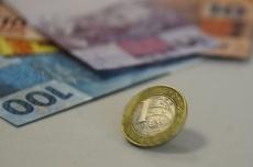 Juros do cheque especial chegam a 165,6% ao ano em janeiro