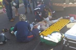 Morre no HV motociclista atropelado por carreta em Dourados