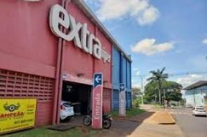 Barbosinha sugere transformar prédio do Extra em  hospital de campanha e cobra kits para testes de vírus