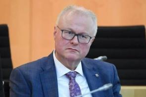 Ministro alemão preocupado com a Covid-19 comete suicídio