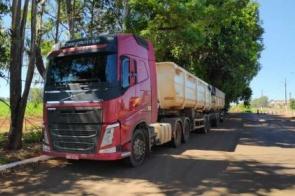 Carreta apreendida em Dourados transportava 5,5 toneladas de maconha