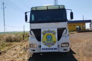 Polícia intercepta carretas roubadas que seriam levadas para o Paraguai