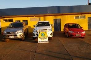 Três pessoas são presas com veículos roubados na BR-463