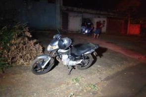 Homem passa mal, encosta moto e morre em bairro de Dourados
