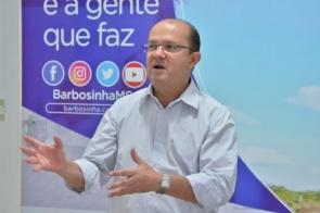 Barbosinha diz que Município age com sensatez ao rever corte de salários de professores