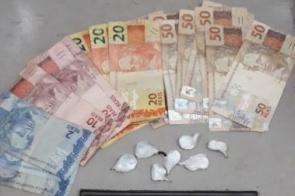 Jovem vende drogas pelo WhatsApp e é detido na hora da entrega