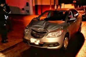 Motorista bêbado é preso após colidir em caminhão estacionado