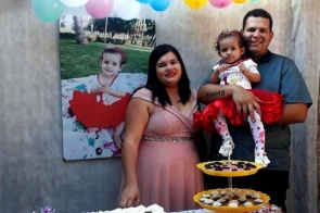 Coincidência uniu pai, mãe e filha que fazem aniversário no mesmo dia