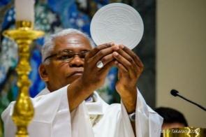 Igreja Católica mantém suspensas celebrações de missas, batismos e casamentos