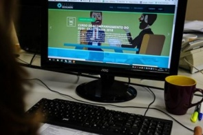 Estado começa transmitir aulas pela TV aberta nesta segunda