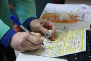 Vacina contra Covid-19 só deve sair em dois anos, afirma secretário do Ministério da Saúde