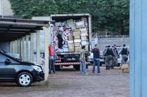 Batalhão de Choque da PM apreende caminhão lotado de maconha escondida em meio a papel higiênico