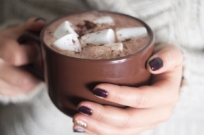 Queridinho do inverno, chocolate quente pode ter diferentes versões