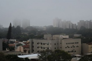 'Ciclone bomba' traz ventos fortes e alertas de granizo, chuvas e queda de temperatura a Dourados