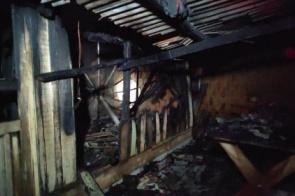 Dourados: Casa pega fogo na Vila Cachoerinha e morador é encontrado morto