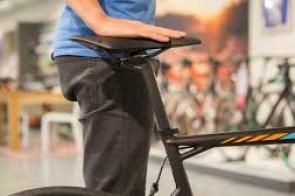 Como ajustar a altura do selim da bicicleta