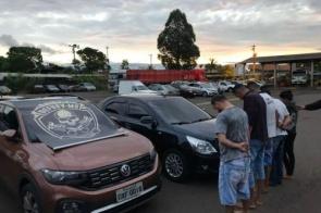 Polícia prende 5 integrantes de grupo que levava carros furtados para Bolívia