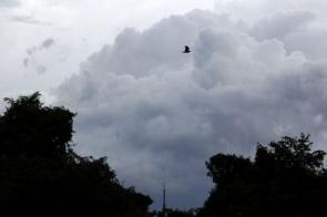 Clima chuvoso e fresco continua nesta terça-feira