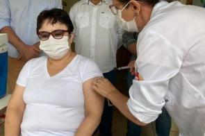 Há anos na saúde de MS, primeiros profissionais imunizados relatam emoção ao receber vacina contra coronavírus