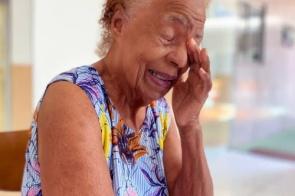 """Aos 91 anos, dona Hosanas chorou pela """"picadinha abençoada"""""""