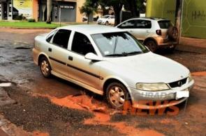Secretário diz que material para tapa-buracos exige dois dias sem chuva