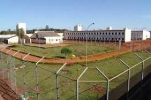 Agente e enfermeiras são investigados por manterem relação com detentos