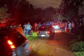 Fiscais encerram rave com mais de 300 em chácara da Capital