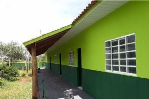 Com recursos viabilizados por Gerson Claro, escola inicia ano letivo reformada