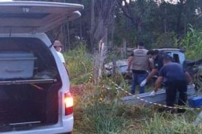 Motorista morre na MS-450 ao sair da pista com carro e bater em árvore