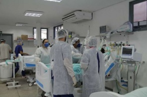 Secretário de Saúde pede urgência na compra de medicamentos e insumos hospitalares