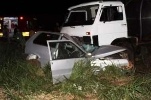 Idoso morre após bater veículo de frente contra caminhão de leite