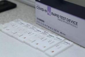 Testes laboratoriais de covid-19 poderão ser deduzidos do Imposto de Renda