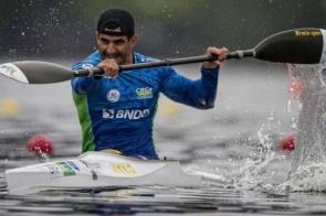 De MS, Fernando Rufino conquista o ouro na Copa do Mundo de Paracanoagem