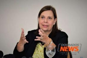 Com número alto de imigrantes, embaixadora fala da urgência em legalizar situação