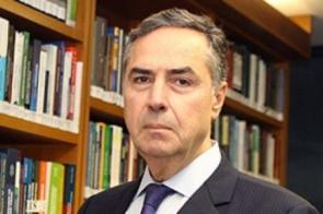 Barroso suspende por seis meses desocupações de áreas coletivas habitadas antes da pandemia