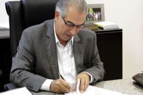 Governador revoga decretos da pandemia e declara vida normal para vacinados
