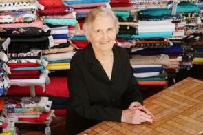 Com 57 anos atrás de um balcão, Dona Izaira é a comerciante mais antiga de Itaporã
