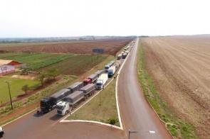 Indígenas voltam a bloquear MS-156 entre Dourados e Itaporã