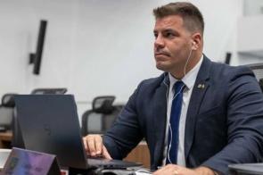 Assembleia aprova projeto de Capitão Contar que institui política de tratamento da depressão