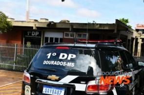 Jovem é levado para delegacia após atacar popular no Jardim Água Boa