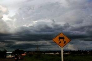 Quarta-feira terá nuvens carregadas e chance de chuva para o norte e leste de MS