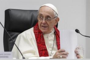 """Papa diz que quem paga por sexo é """"criminoso"""" e """"tortura"""" mulheres"""