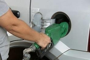 Preço médio da gasolina sobe pela 2ª semana seguida segundo ANP