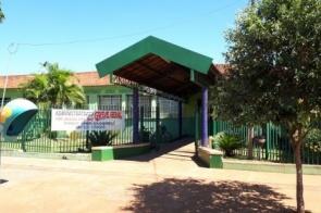 Itaporã: Escola Antônio João Ribeiro paralisa aulas com funcionários em greve