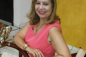 Vereadora eleita Lourdes Struziati deseja a você e sua família um Feliz Natal