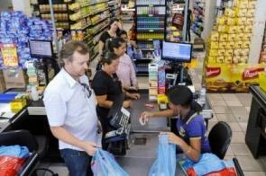 Inflação para famílias com renda mais baixa é de 0,21%