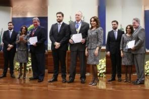 Desembargadores do TJ recebem Medalha do Mérito Acadêmico Eleitoral